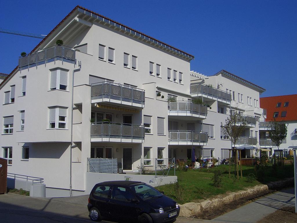 Bild 3: 12-Familien- Wohnhaus