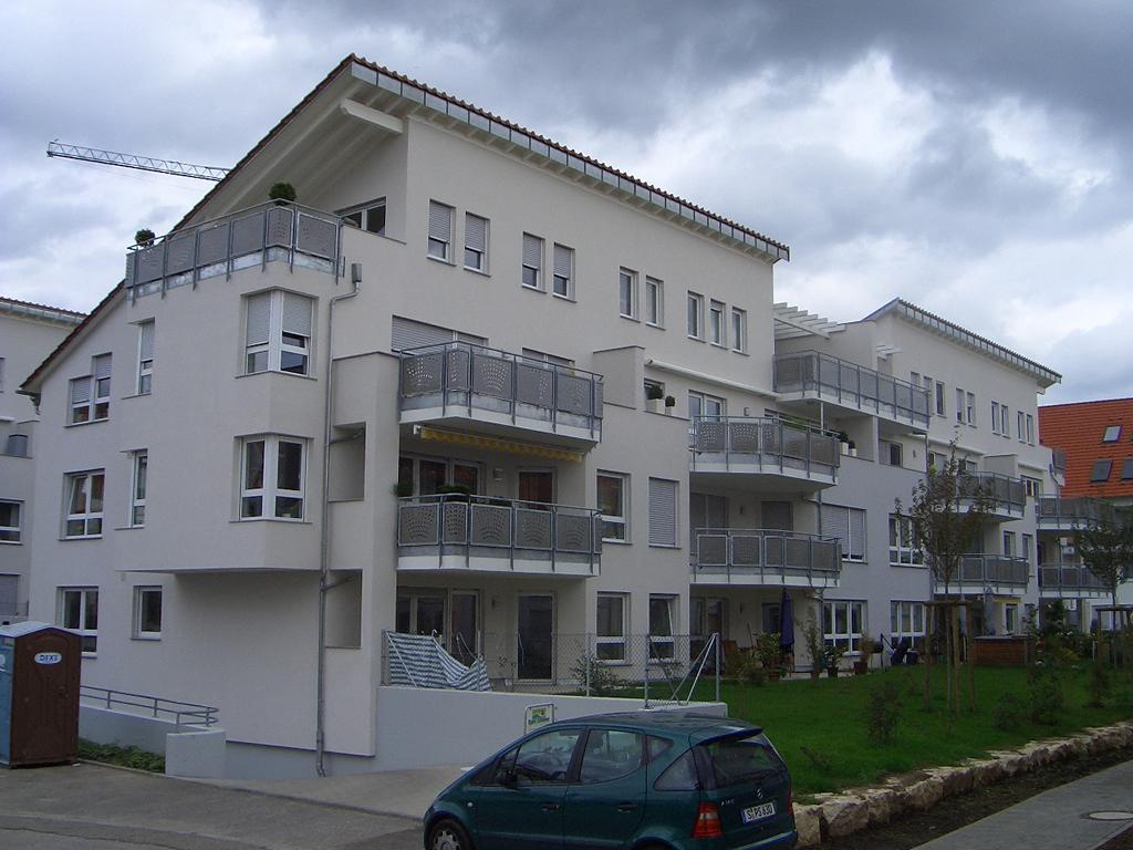 Bild 6: 12-Familien- Wohnhaus