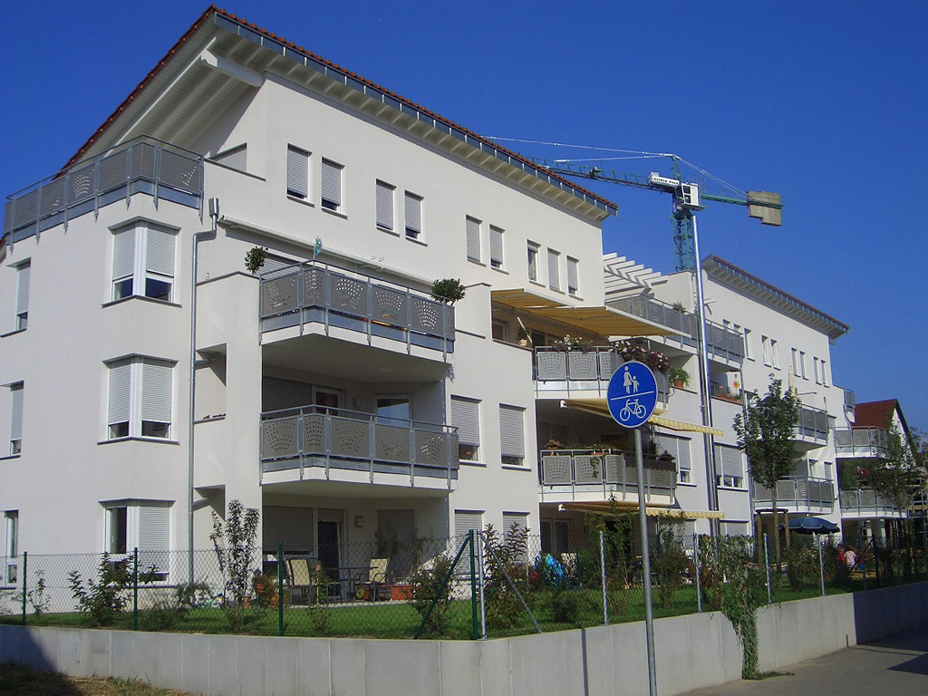 Bild 8: 12-Familien- Wohnhaus