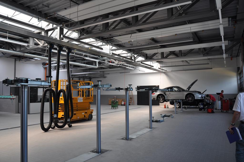 Bild 1: Umbau Porsche-Werkstatt