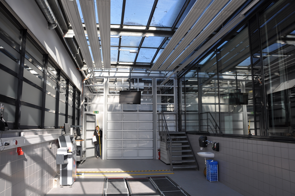 Bild 4: Umbau Porsche-Werkstatt