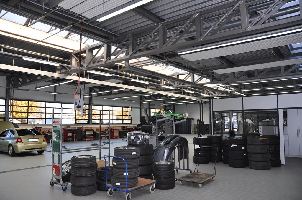 Bild 5: Umbau Porsche-Werkstatt