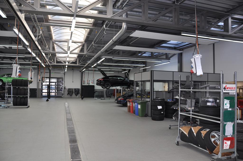 Bild 6: Umbau Porsche-Werkstatt