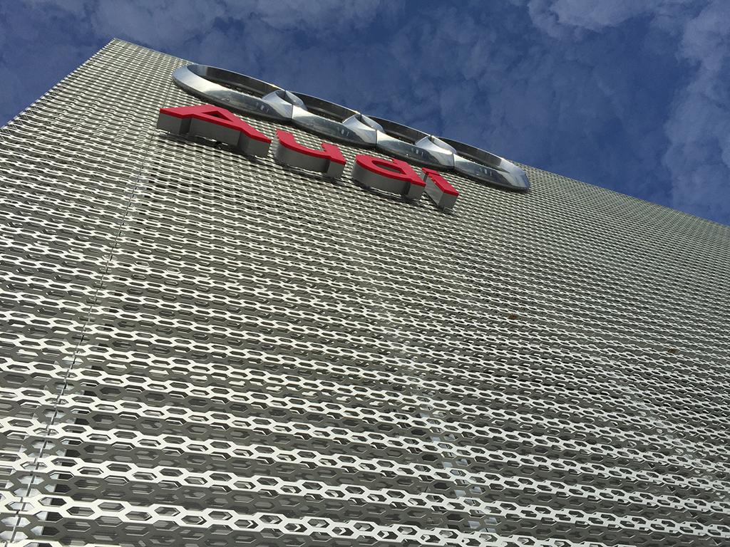 Bild 4: Neubau Hahn Gruppe Göppingen Audi Terminal